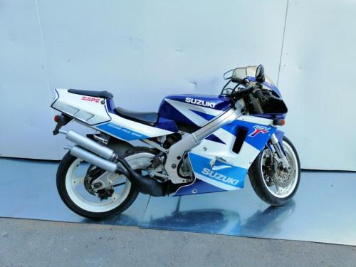 SUZUKI RGV 250 2